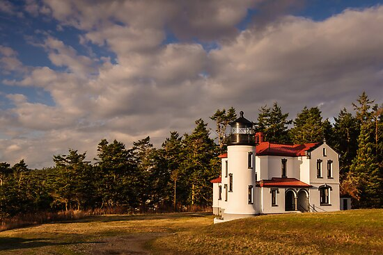 Admiralty Head Lighthouse by Dan Mihai