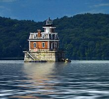 Hudson-Athens Lighthouse by PineSinger