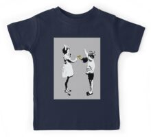 conckers..young love Kids Tee