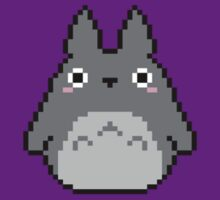 Tiny Pixel Totoro by Flaaffy