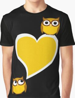 Hoo? Me? Graphic T-Shirt