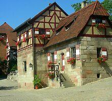 Casas  que componen el rededor del castillo.......  by cieloverde