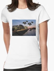 Aliens attack City Hall London T-Shirt