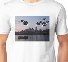 Aliens attack London City Unisex T-Shirt