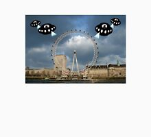 Aliens attack the London Eye Unisex T-Shirt