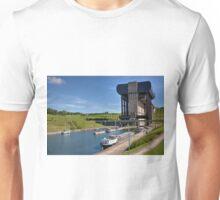Strepy Thieu Boat Lift Unisex T-Shirt