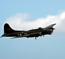 Memphis Belle by GrahamWhite