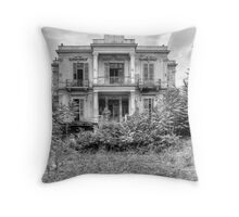 The Salem Mansion v4 Throw Pillow