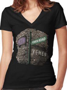 Friends: 15, Yemen Road, Yemen Women's Fitted V-Neck T-Shirt