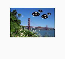 Aliens invade San Francisco Unisex T-Shirt