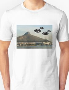 Aliens invade Cape Town T-Shirt