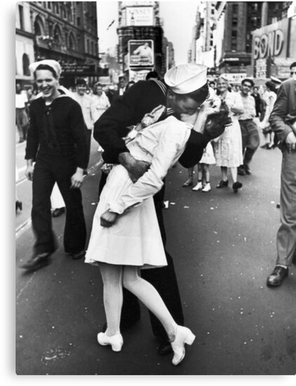 Times Square V/J-Day Kiss by kungmyfu