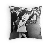 Times Square V/J-Day Kiss Throw Pillow