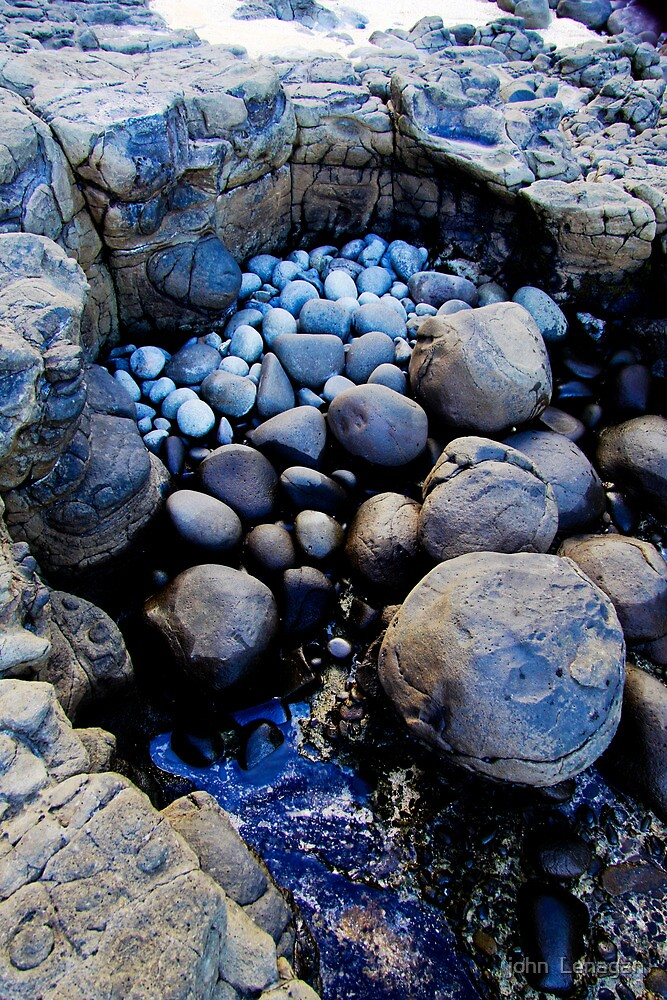 Rock Pool Norfolk Island by john  Lenagan