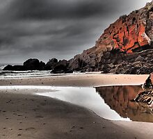 Cooee beach, Tasmania. by Esther's Art and Photography
