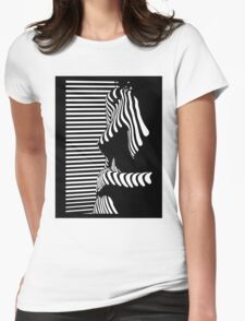 """""""blinded"""" Noir Nude. Photo turned stencil painting. T-Shirt"""