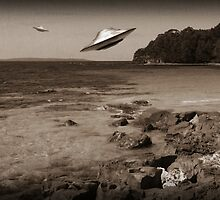 Trouble in Paradise#1 - UFOS..at the beach (Old School Variant)  by BoydeyMcNerd