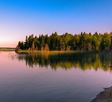 Madge Lake 9796_13 by Ian McGregor