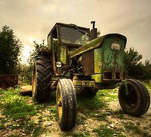 John Deere 2130  by Rob Hawkins