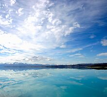Lake Pukaki New Zealand by jwwallace