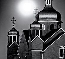 Ukrainian church by full moon by Andy Curtis