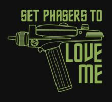 Set Phasers to Love Me (Color Variant) Kids Clothes