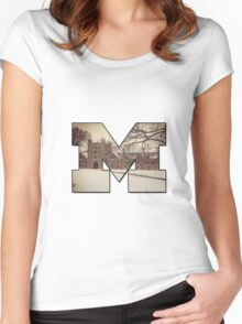 M Women's Fitted Scoop T-Shirt
