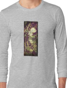 Antique Look Print of Pretty Sweet Pea flowers Long Sleeve T-Shirt