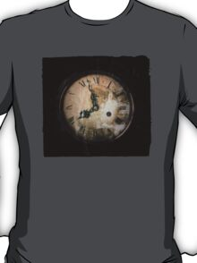 Antique Feel Photograph of an Eerie Clock Face T-Shirt