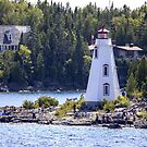 Big Tub Lighthouse by Mikell Herrick