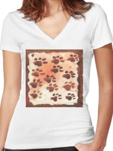 Footprints in Africa - Ethnic series Women's Fitted V-Neck T-Shirt