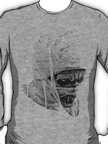 Scary Halloween Mummy. Digital Horror and Gothic Engraving Image T-Shirt