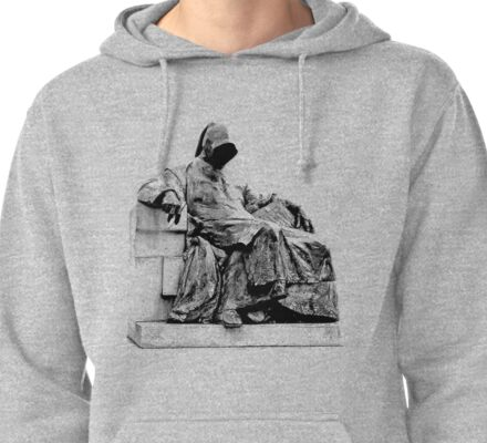 Creepy Halloween Statue. Horror and Gothic Digital Engraving Image Pullover Hoodie