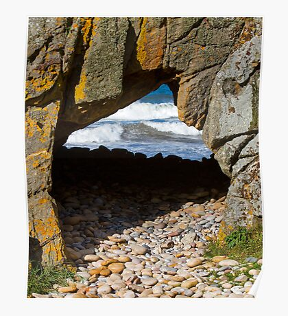 COVE BAY - PEBBLE CARPET TO THE TUNNEL Poster