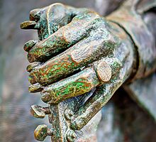 The hand of Stevie Ray by Nazm  Photography