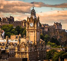 The Balmoral clock tower with the castle behind by Graeme  Ross