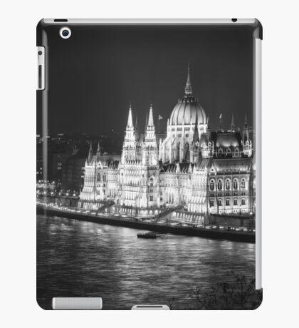 Hungarian Parliament Night BW iPad Case/Skin