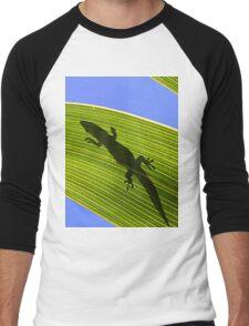 Silhouette Of A Phelsuma Day Gecko On A Palm Leaf. Men's Baseball ¾ T-Shirt