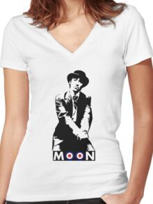 Moon the Loon Women's Fitted V-Neck T-Shirt