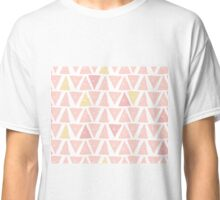 Hipster backgrounds seamless hand drawn triangle pattern in pink Classic T-Shirt