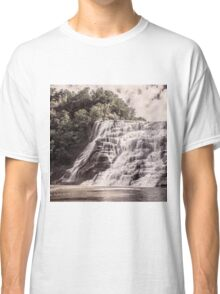 Waterfall in all its beauty Classic T-Shirt