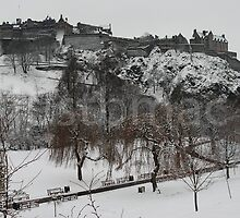 Edinburgh Castle in White by justbmac