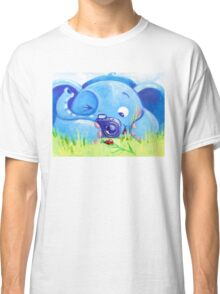 Photographer - Rondy the Elephant with photo camera Classic T-Shirt