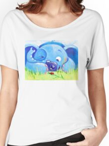 Photographer - Rondy the Elephant with photo camera Women's Relaxed Fit T-Shirt