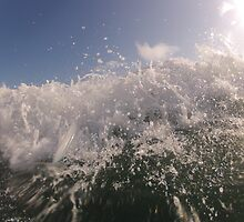 Incoming Wave by tobywoodward