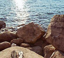 Flip-Flops on Rock by visualspectrum