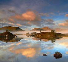 Lochan Na h'Achlaise by Jeanie