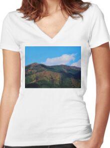 Peeking Women's Fitted V-Neck T-Shirt