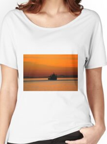 Diving in the sunset Women's Relaxed Fit T-Shirt