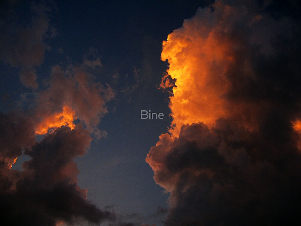 The light behind the cloud by Bine